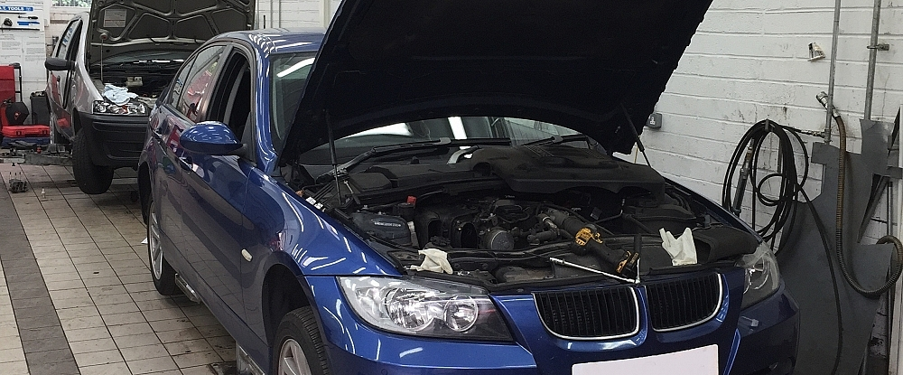 Meersbrook Service Station - client car being serviced